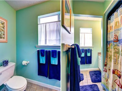 South Ponte Vedra Beach house rental - Bathroom with beachy blue colors