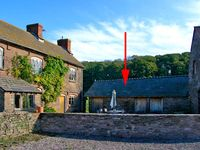THE STABLES, pet friendly, with open fire in St Weonards, Ref 2893