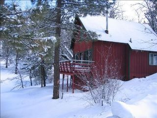 Moonridge cabin photo - Wonderful snow play area on site