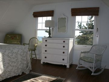 Sunset bedroom - queen bed. Both sunrise and sunset rooms have queen size beds.