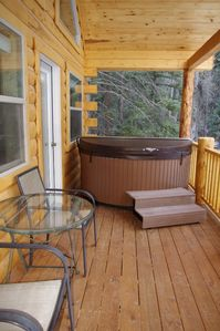New cabin, new hot tub!