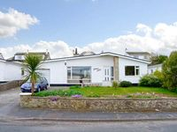 TINKERS PATCH, pet friendly, with a garden in Benllech, Ref 29206