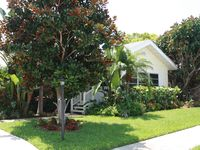 Excellent Location, Beautiful Home, Private Pool, Walk to Beach & Village