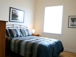 Bedroom with Queen Bed - Chicago condo vacation rental photo
