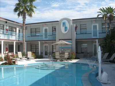 Luxury Beach Front Condo Rentals with Resort Style Sunsplashed Pool