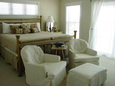 Inlet Beach house rental - Large Upstairs Master bedroom with King, Sitting Area, and Fireplace.