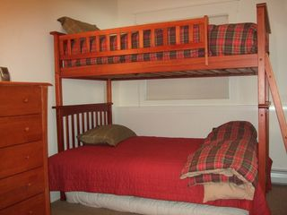 Ludlow chalet photo - .Lower level bunk room #1