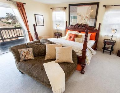Arroyo Grande chateau / country house rental - Master Bedroom w/Cal King 4 Poster Bed, Settee & Balcony
