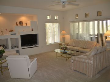 Oro Valley condo rental - Living room