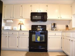 Amelia Island condo photo - Fully Equipped Kitchen