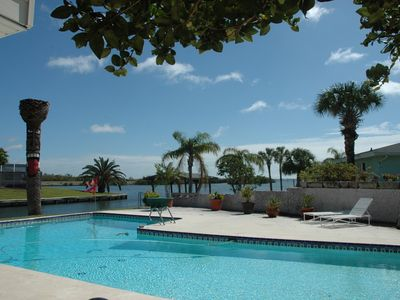 Enjoy the pool on a beautiful day overlooking the river/fishing off the seawall.