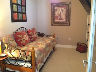3rd bed room Trundle twin beds