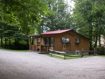 Maggie Valley cabin rental - Private yet close to town. Perfect for motorcycle.