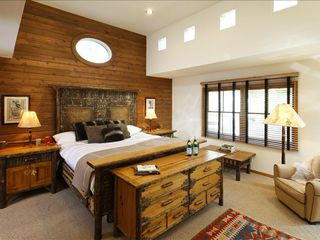 Aspen house photo - Master suite with stunning views of Aspen Mountain