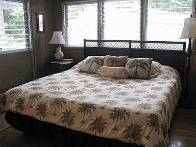 Master bedroom, king size bed