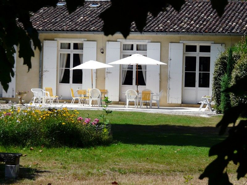 Luxury accommodation, 220 square meters, with garden