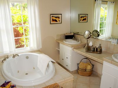 Pasadena house rental - Master Bathroom
