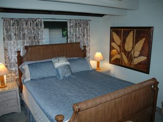 Princeville condo photo - King bedroom