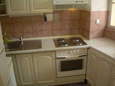 Fully-equiped kitchens in Maltezske 5 and 6