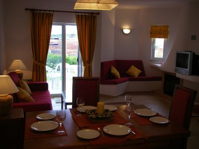 Air conditioned luxury 2 bedroom apartment EARLY BOOKING ADVISABLE.