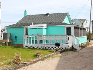 Nags Head cottage photo - Relax on the deck & fire up the grill...burgers anyone?