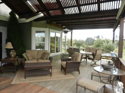 Comfortably furnished, shaded back deck-Wine Country, Sonoma County, Healdsburg