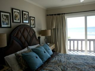 Laguna Beach townhome photo - Master Bedroom - balcony w/ lounging chairs & ensuite bath