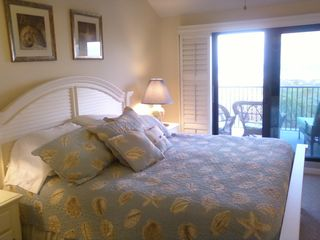 St. Augustine Beach townhome photo - Master Bedroom with private balcony with very comfortable furniture
