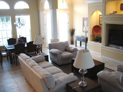 Cape Coral villa rental - Designer styled family room