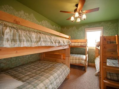 Bunk Bed Room - sleeps 8 in here