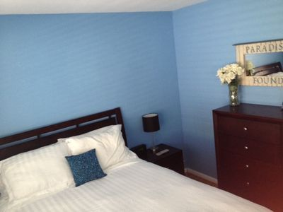 Newly remodeled middle room with Queen Size Bed.