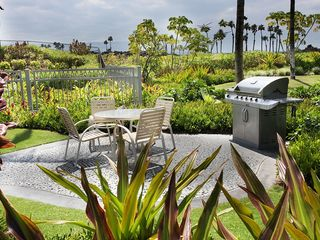 Waikoloa Beach Resort condo photo - Community BBQ area, just down from our Lanai