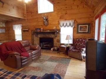 cozy livingroom at romantic TN cabin near Cookeville and Crossville