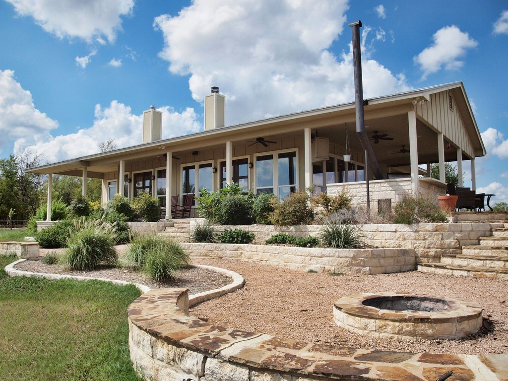 Beautiful Pecan River Ranch With Guest House Vrbo
