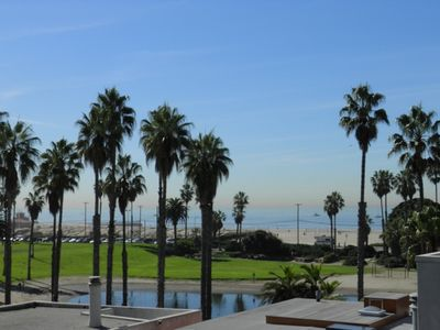 Del Rey Lagoon Park and Toes Beach