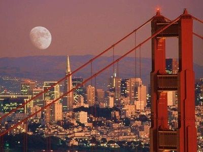 .San Francisco is one of the top tourist destinations in the world.