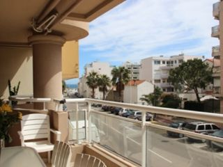 Cannes palm beach appartement 1 chambre 4 personnes for Location garage cannes palm beach