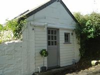 Delightful Artists Studio only 10 minutes walk from Praa Sands
