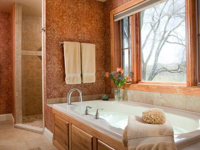 Ithaca house rental - master bath