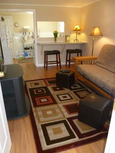 Charming, cozy cottage duplex, bright and airy, perfect location!