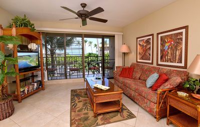 Tile floor and Island décor make this unit special.