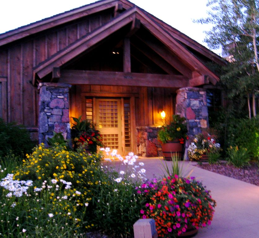 Spectacular Mountain Retreat, 3 Ski Resorts, Championship Golf