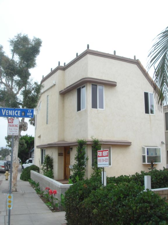 Mission Beach house rental - Front View of the House - Venice Court