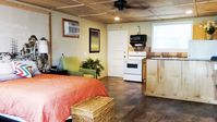 Studio with Full Kitchen Free Use Of Kayaks, Wifi, John Boat And  Bicycles