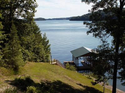 Beautifully situated lakeside lodge with majestic views of Watts Bar Lake
