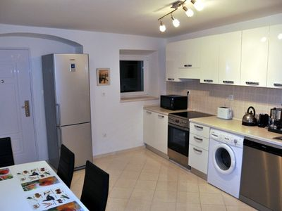 Split house rental - Kitchen - Table, Microwave, Fridge/Freezer etc