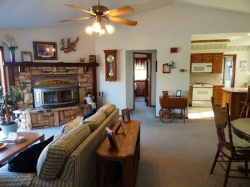 Garfield house rental - Spacious Great Room