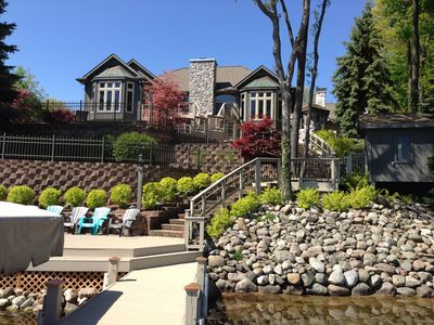 BEAUTIFUL  RESORT style Lake Home w/ pool & Privacy in Irish Hills