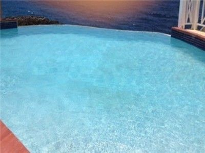 Swimming pool - Paradise Oceanfront Villas