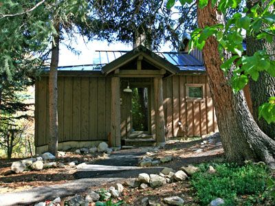 Sundance cottage rental - Our Mandan Cottage is a short walk from the Sundance Resort Spa and the resort.